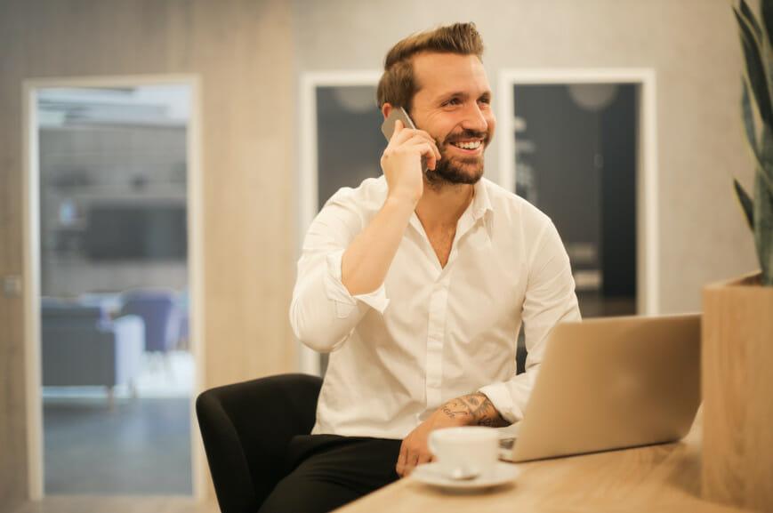 Empresário recebe boas notícias